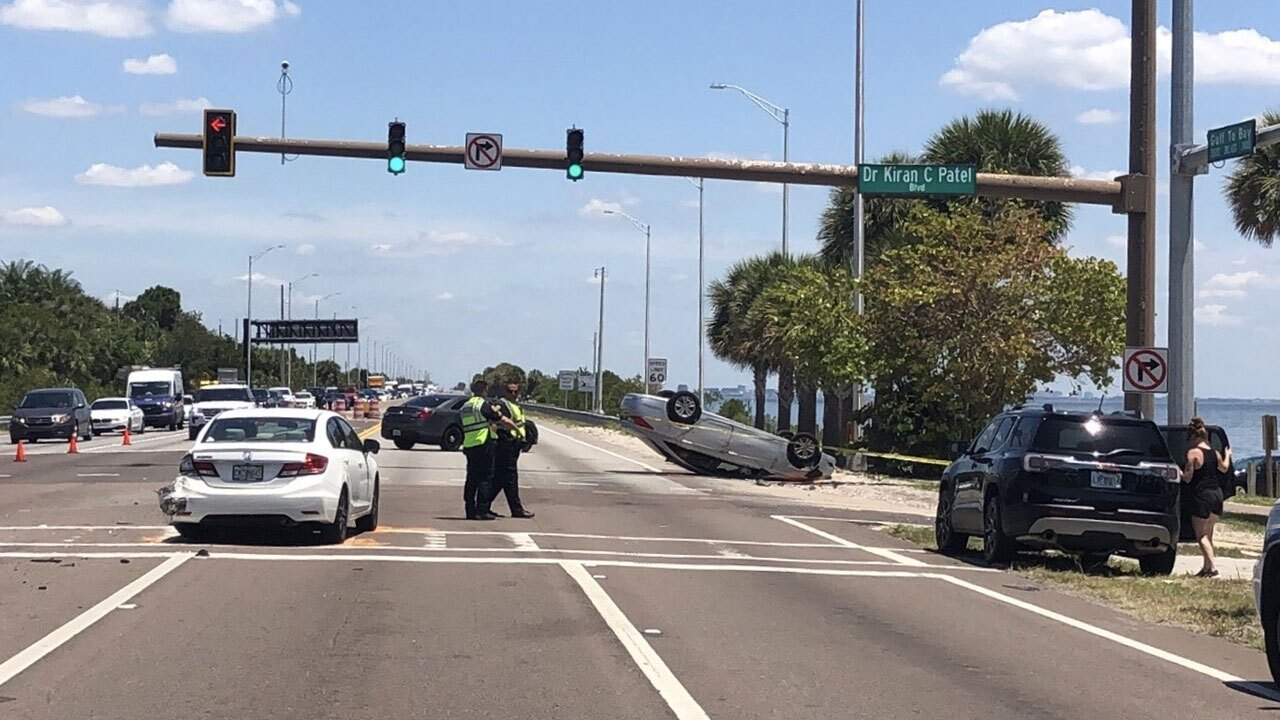 Courtney-Campbell-Causeway-crash-CITY-OF-CLEARWATER.jpg