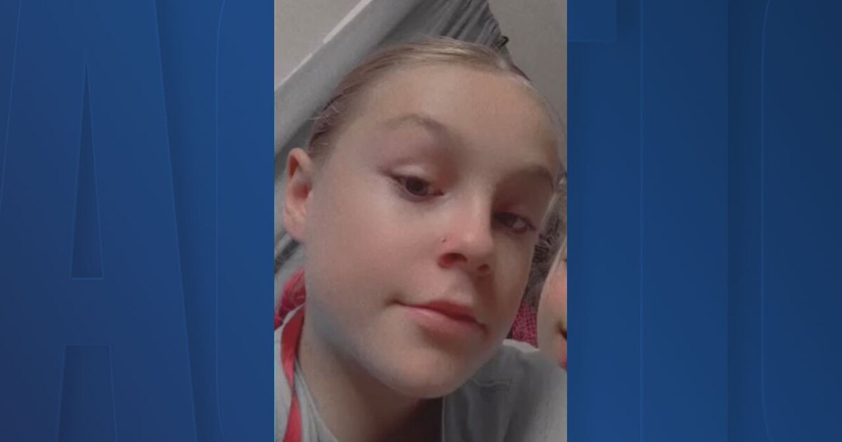 Sheriff's office searching for missing 11-year-old girl last seen in Bradenton