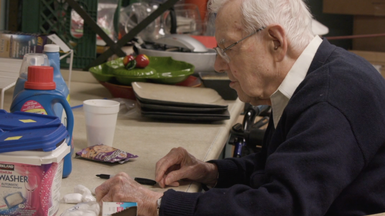 Dave Fuller- WWII vet volunteers for Valley food, clothing bank