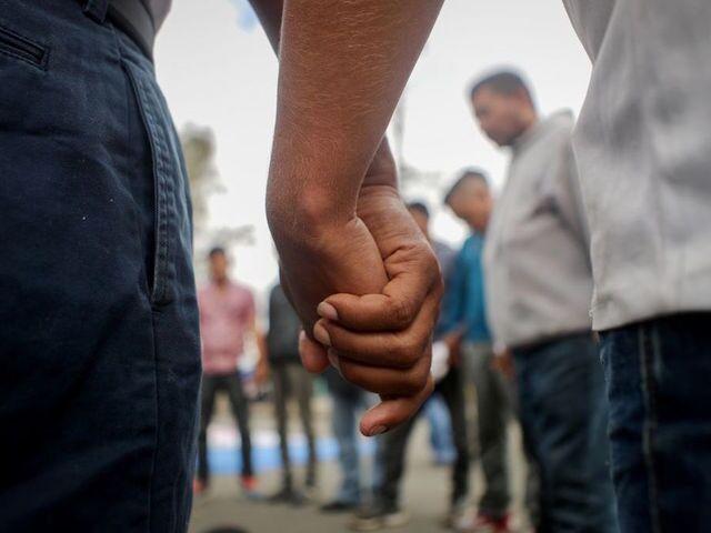Migrants converge on Tijuana-San Diego border