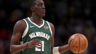Report: Pistons acquire 30th pick, Tony Snell from Bucks for Jon Leuer