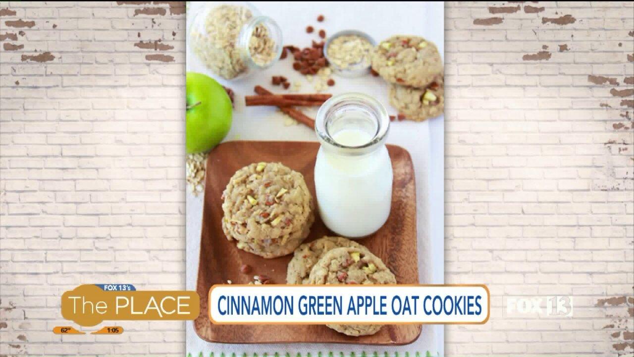 Recipe: Cinnamon green apple oatcookies