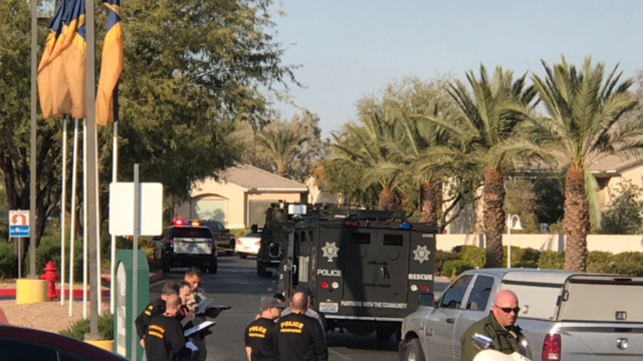 Vegas police locate thieves, standoff ensues