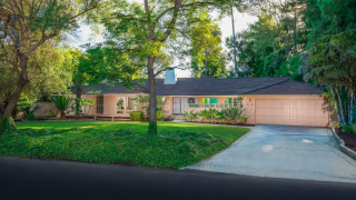 Home that served as exterior for show 'Golden Girls' on sale for $2.9M