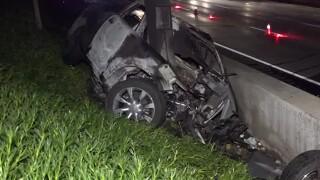 i8_la_mesa_pole_crash_012020.jpg