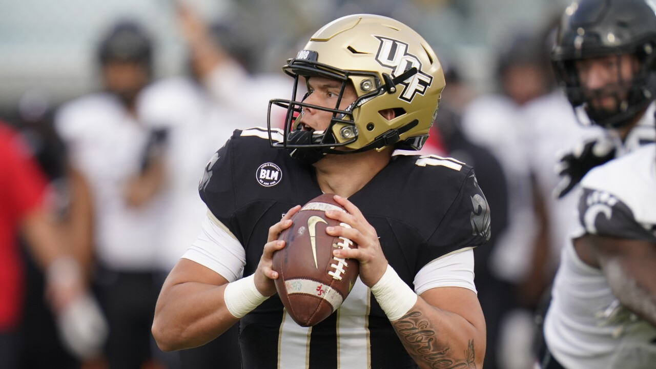 UCF Knights QB Dillon Gabriel vs. Cincinnati Bearcats in 2020