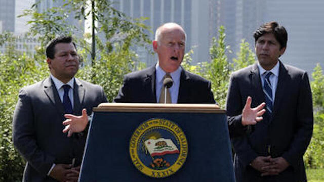California governor extends state's landmark climate change law