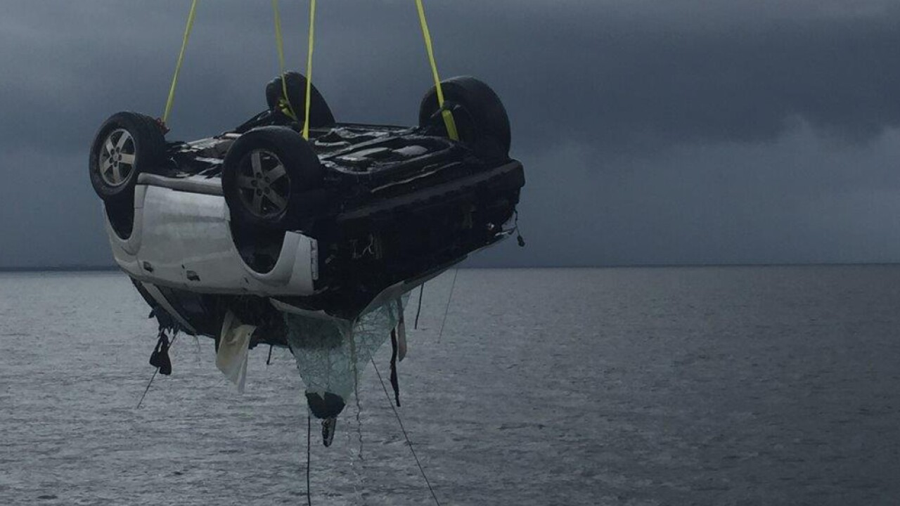 car pulled from water.jpg