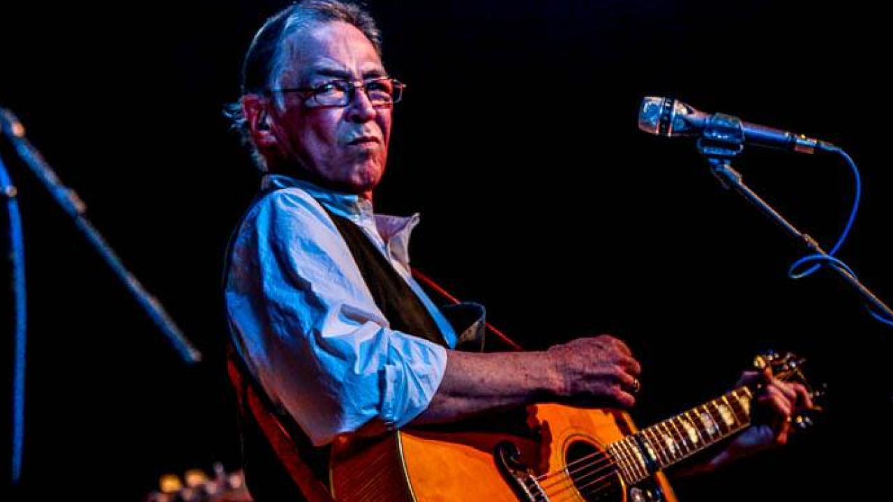 Richmond singer-songwriter Robbin Thompson honored bybandmates