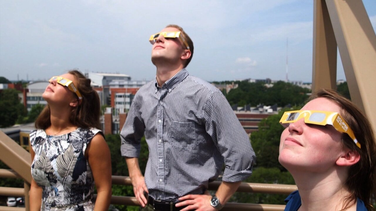 Hundreds line up for eclipse viewing events in Norfolk