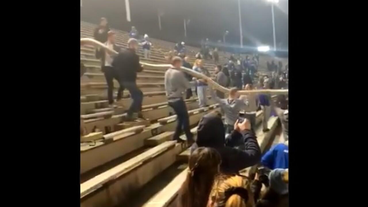 Kentucky football fans form giant cup snake at Vanderbilt game