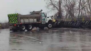 As snow falls, ODOT preps NE Ohio streets