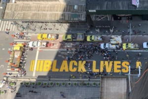 Mayor helps paint 'Black Lives Matter' outside Trump Tower along 5th Avenue