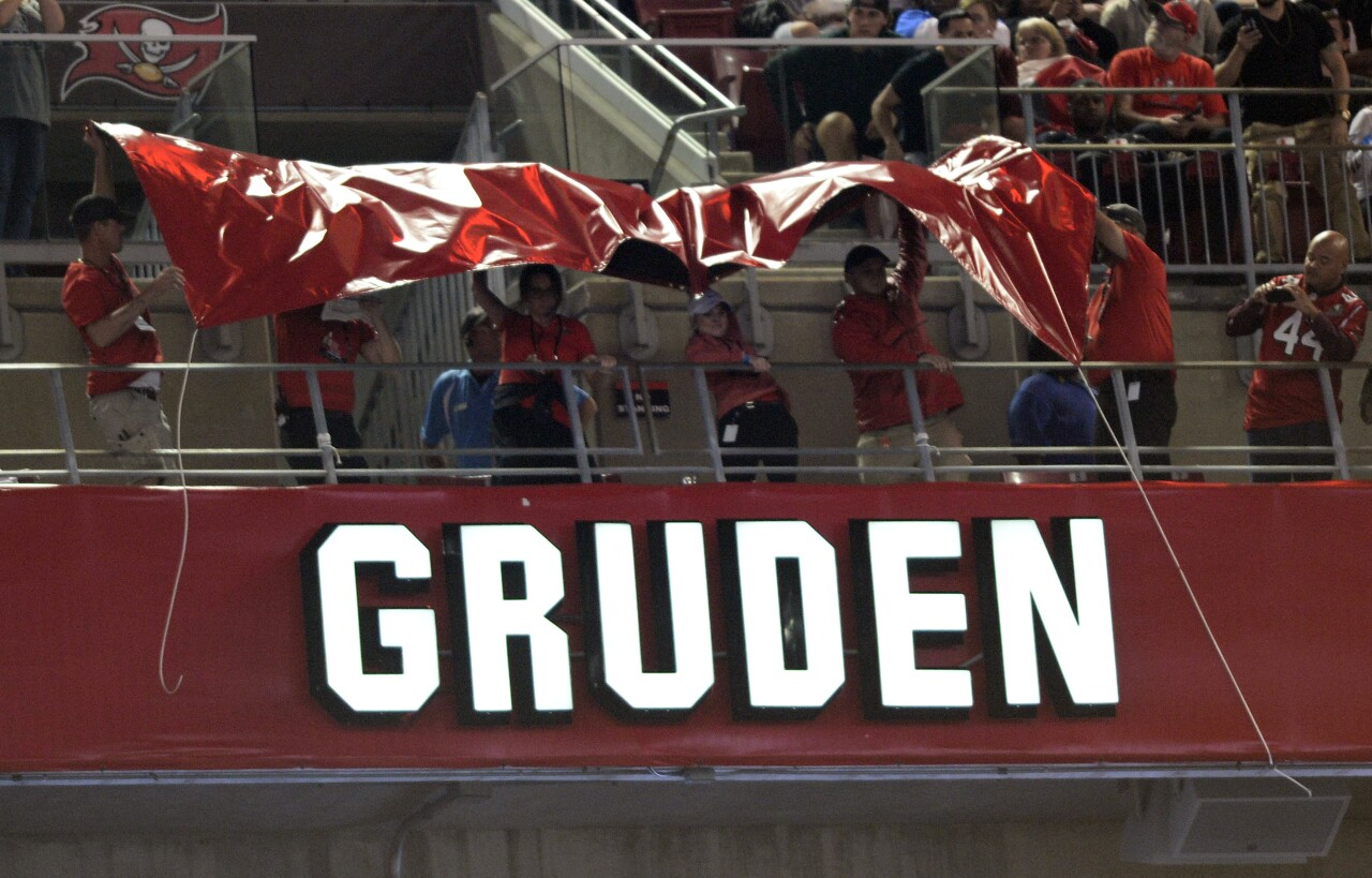 Jon Gruden's name unveiled after induction into Buccaneers Ring of Honor at Raymond James Stadium in 2017