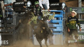 Jose Vitor Leme Splits the Round 1 Win with 88.25 points aboard War Party Night One in Salt Lake City_Courtesy_AndyWatson_BullStockMedia.JPG