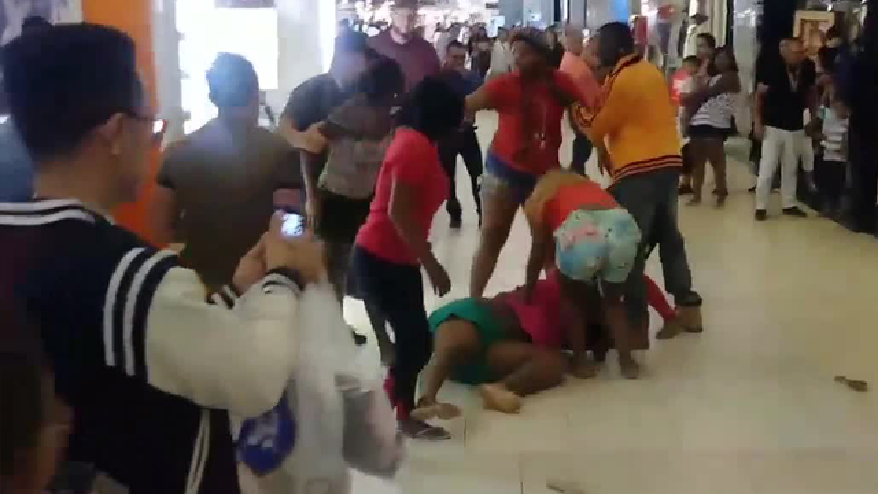Florida mall brawl caught on video at Edison Mall in Fort Myers