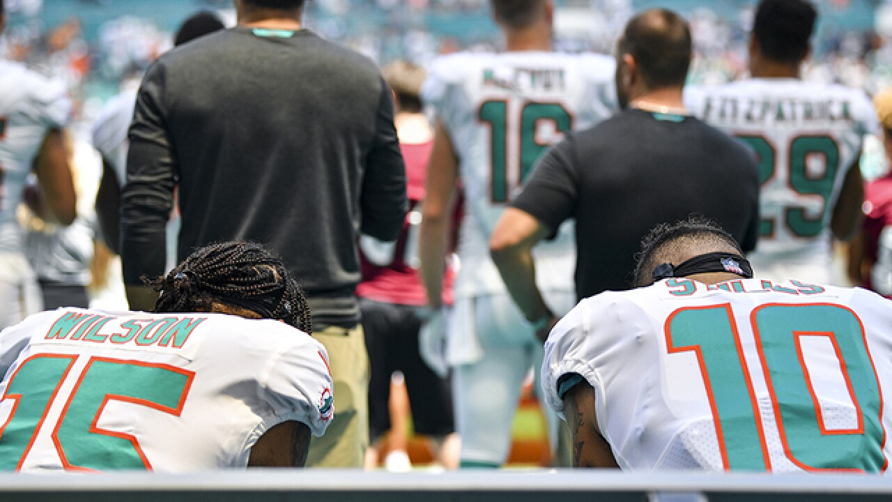 Two players kneel for anthem, Kaepernick tweets to thank them
