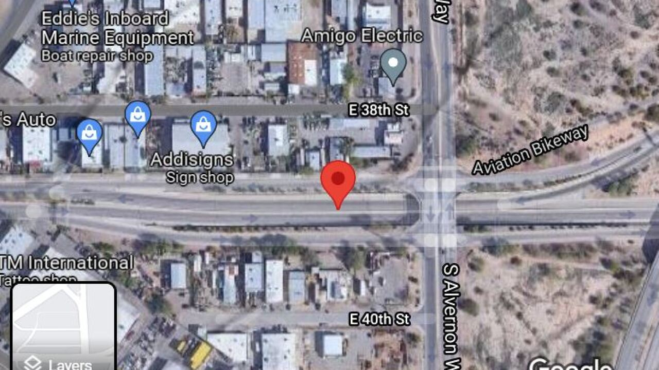 Tucson police investigated a deadly single-vehicle wreck on Aviation Parkway Friday.