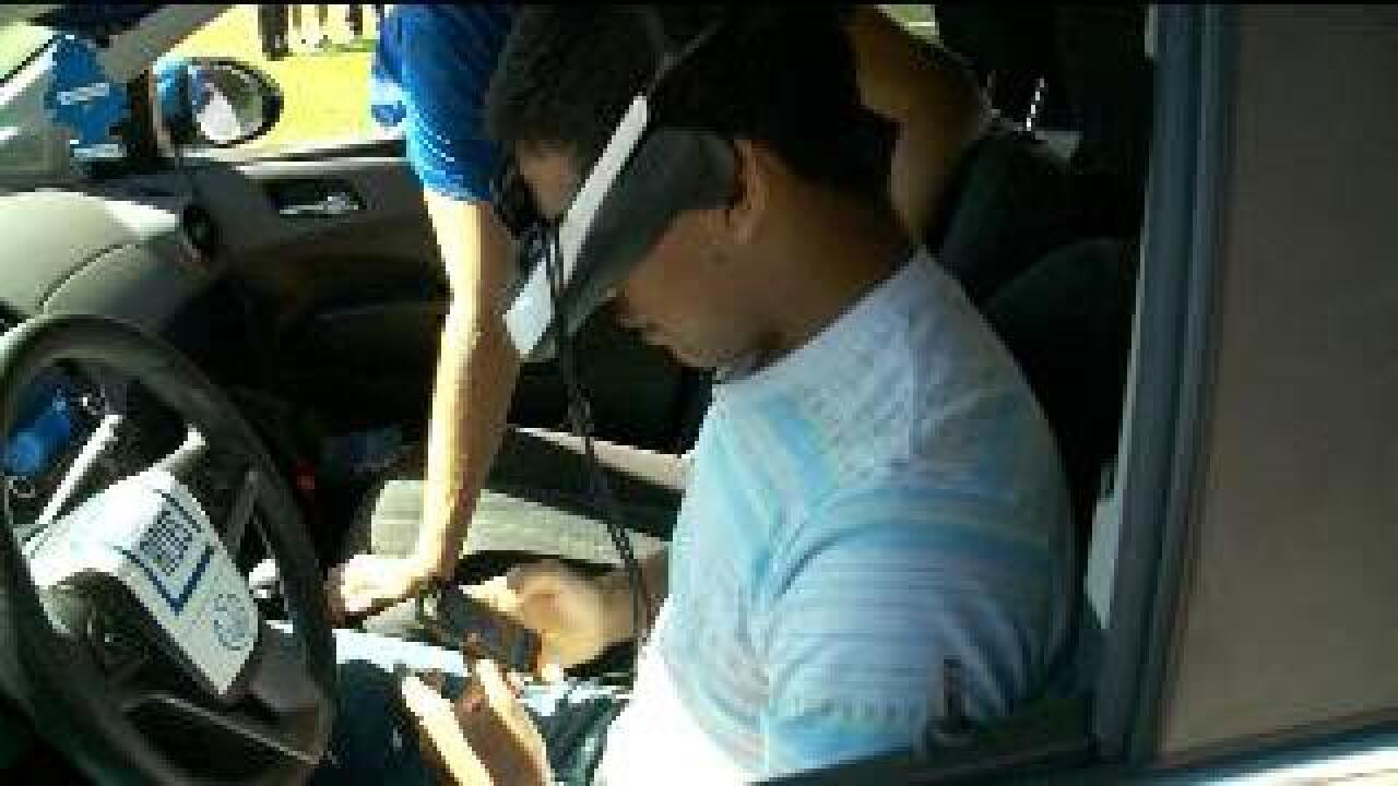 Simulation teaches teens the dangers of distracted driving