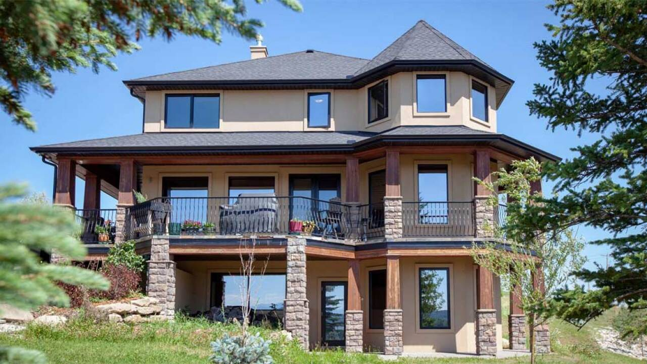 A creative essay and few dollars are all you need to win this mansion in Canada!