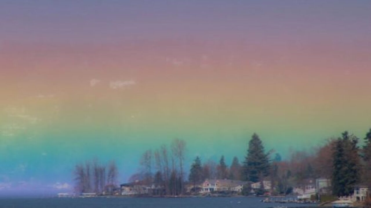 A Photographer Captured These Amazing Photos Of A 'horizontal Rainbow'