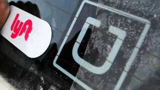 uber_logo_lyft_apphoto.jpg