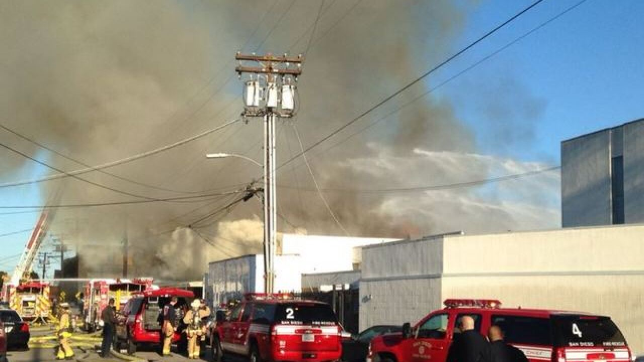 2-alarm blaze engulfs Midway warehouse