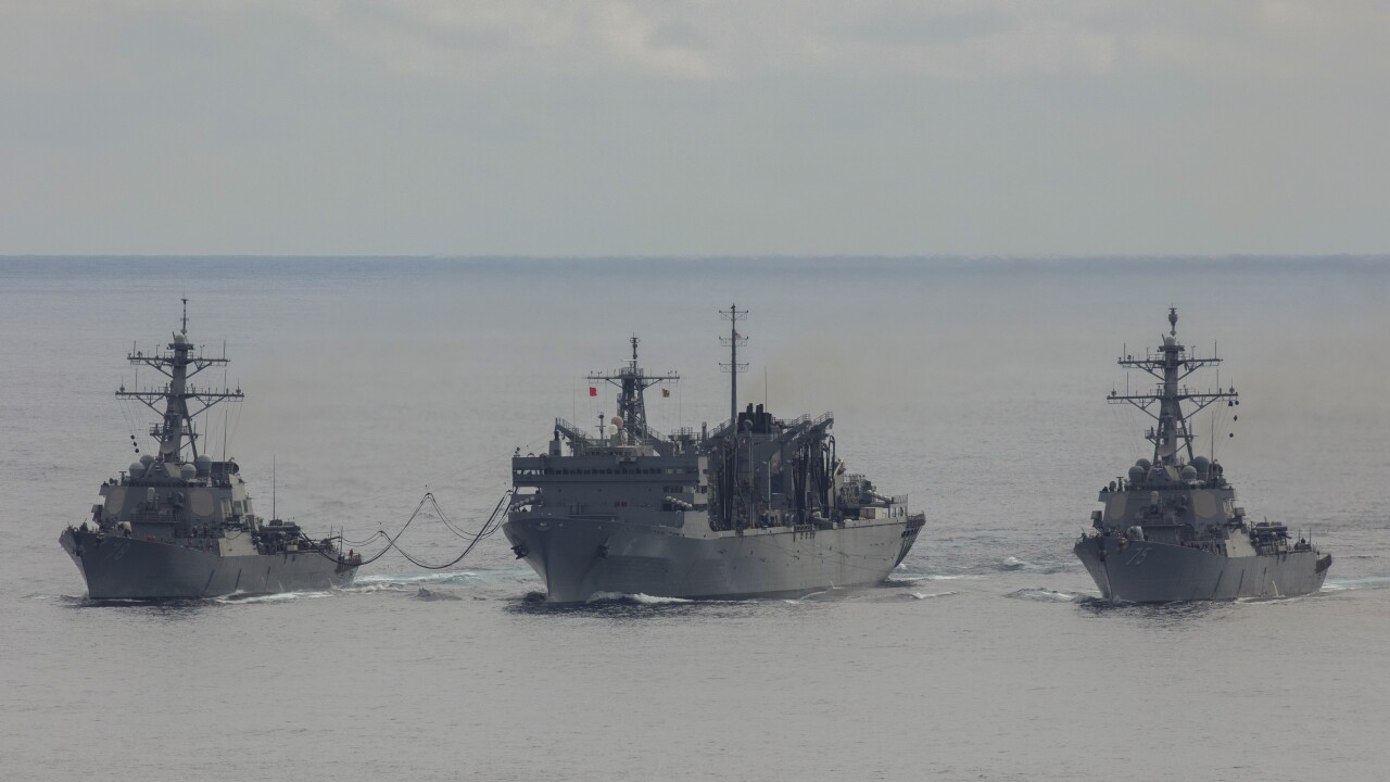 HMS KENT MEETS WITH US TASK FORCE
