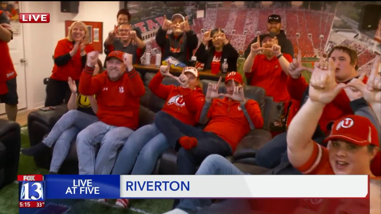 Ultimate Ute fans watch Alamo Bowl in ultimate mancave