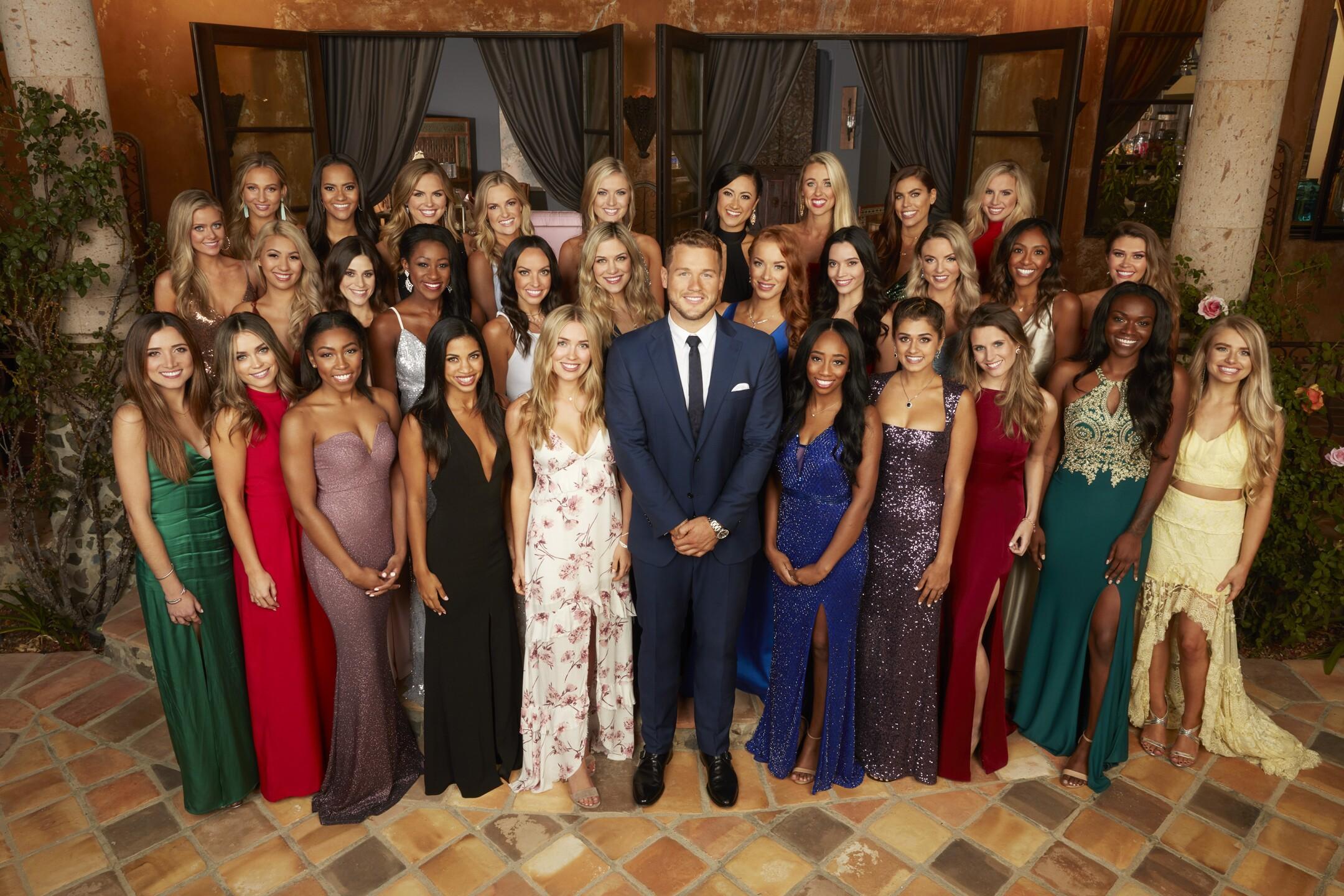 Season 23 Bachelor Colton Underwood group photo