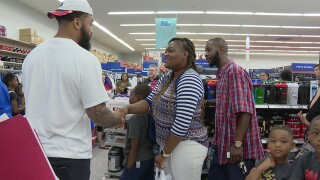 Former Vols Player Helps Kids With Shopping Spree