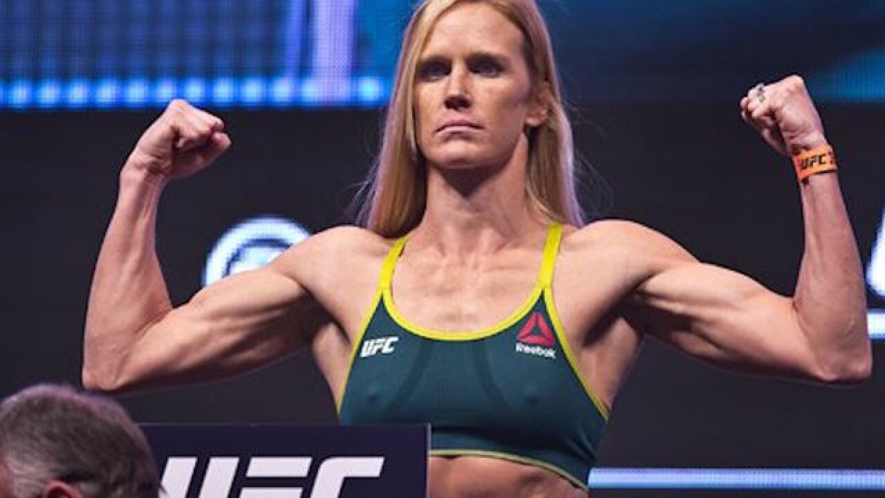 UFC: Tate takes UFC bantamweight title from Holm