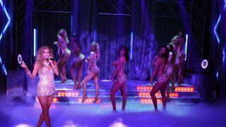 Lorena and Dancers in FANTASY