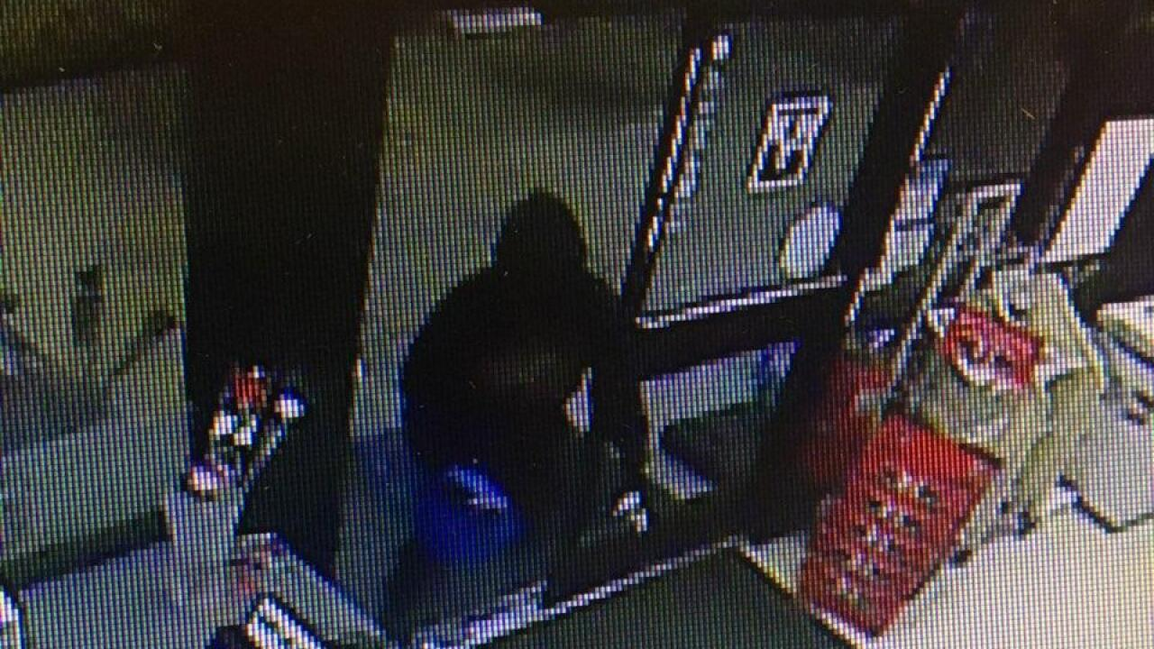 7-Eleven robbery Fort Myers 10-29-19.jpg