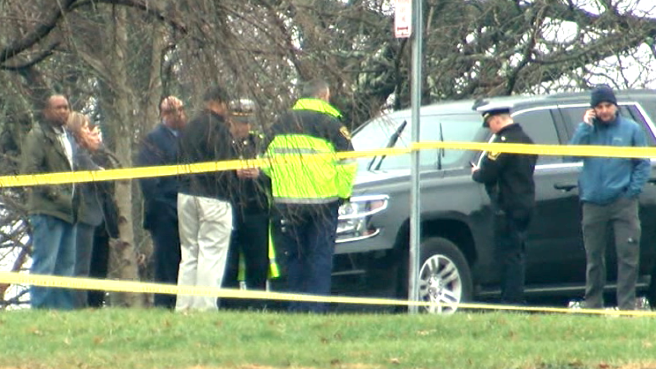 Cincinnati police investigate officer found dead in car in Eden Park