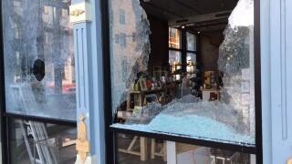 MiCA 12/v protest windows damaged
