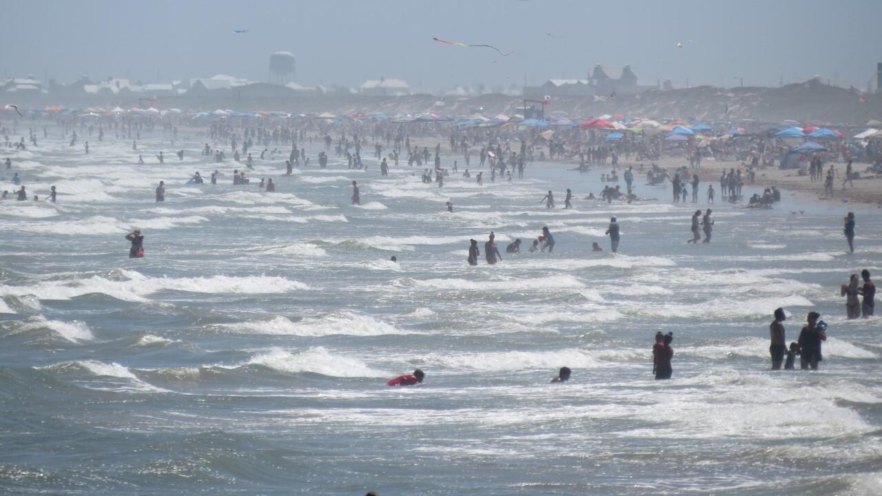 Port Aransas inundated as beaches, restaurants reopen