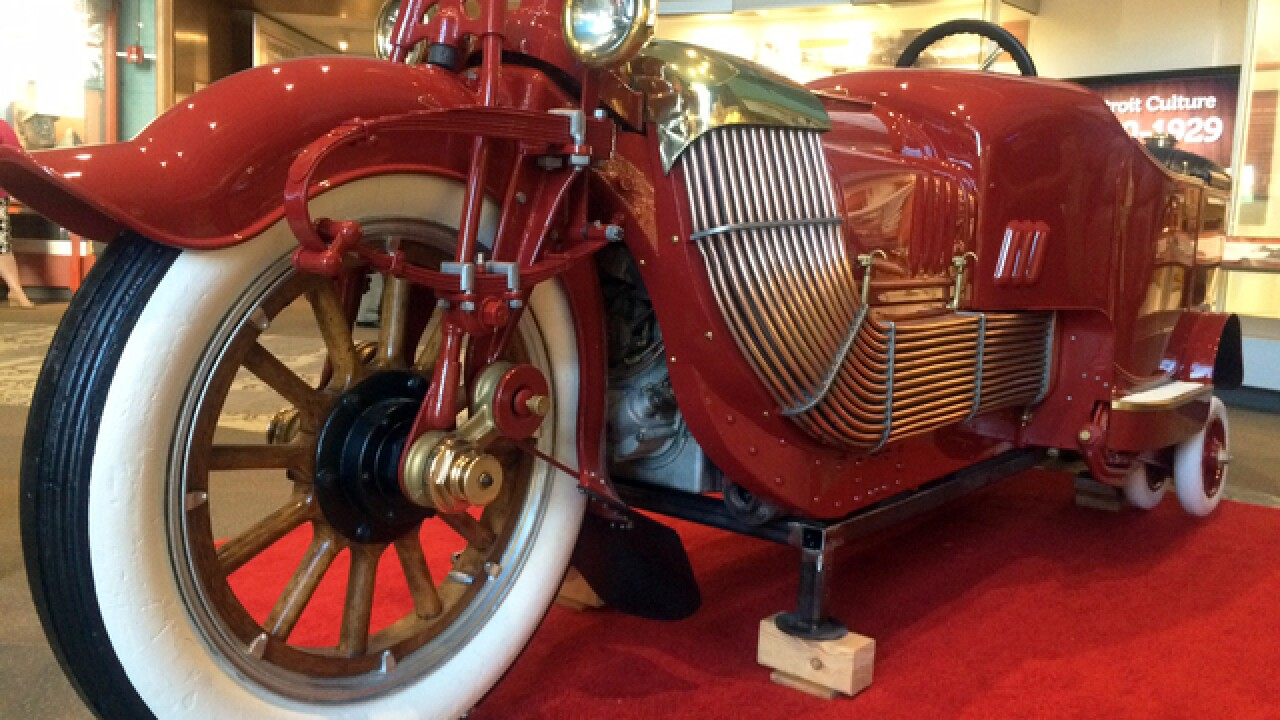 "Detroit Historial Museum displays new vehicle billed as world's first ""motorcycle-car"""