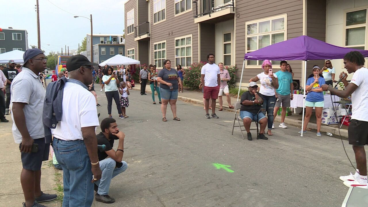 Parents, neighbors rally to support Richmondschools