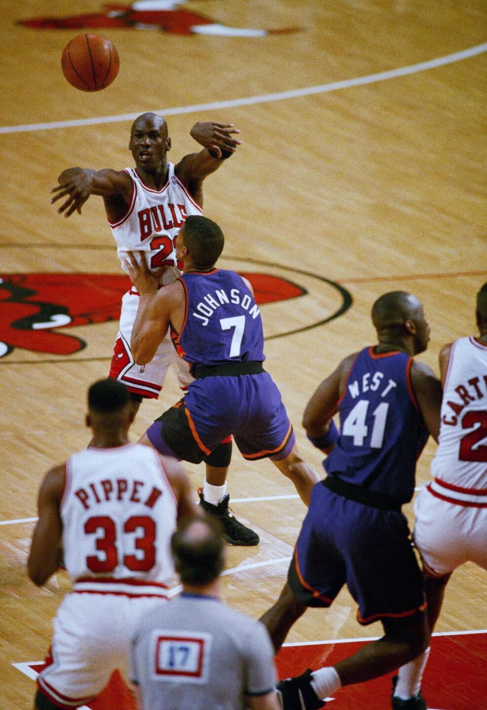 Michael Jordan, Scottie Pippen, Kevin Johnson