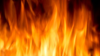 Norfolk Fire responds to 2 Friday-morning housefires