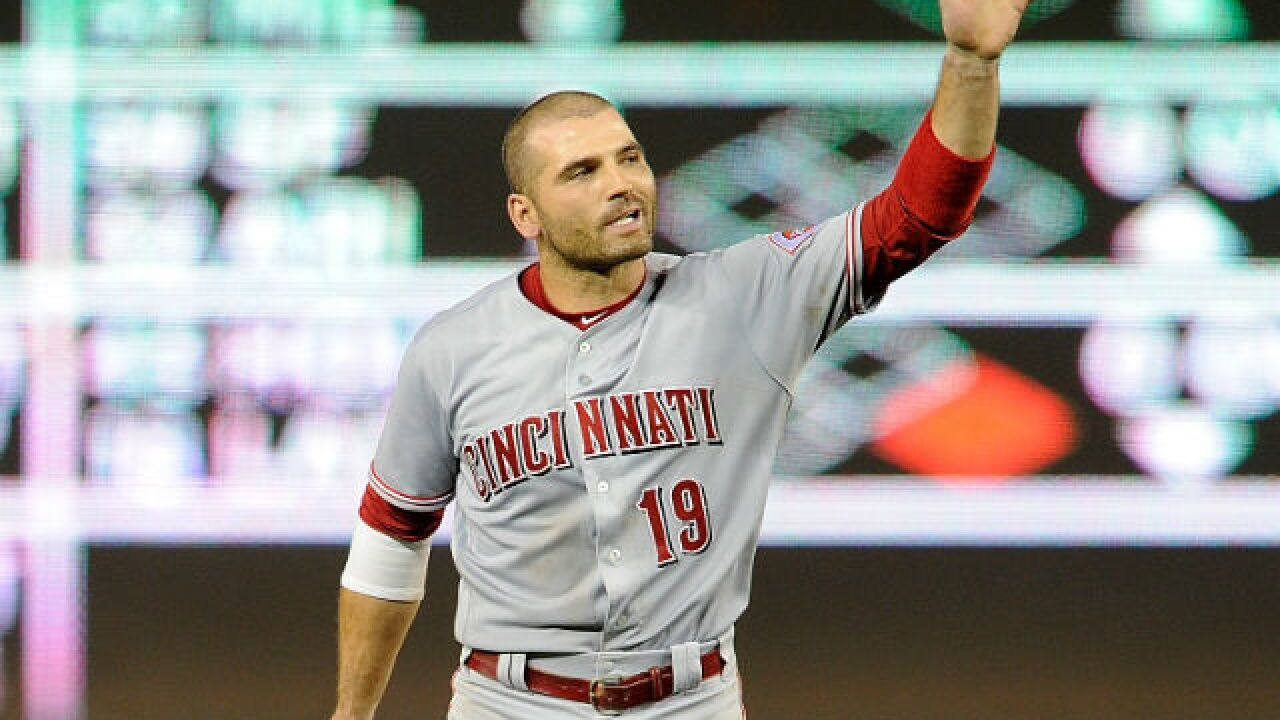 Lower leg injury sends Reds' Votto to DL; Barnhart at 1B