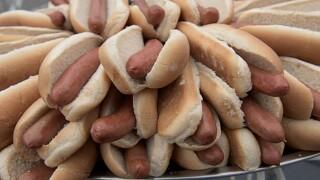 Chestnut defends hot dog-eating title