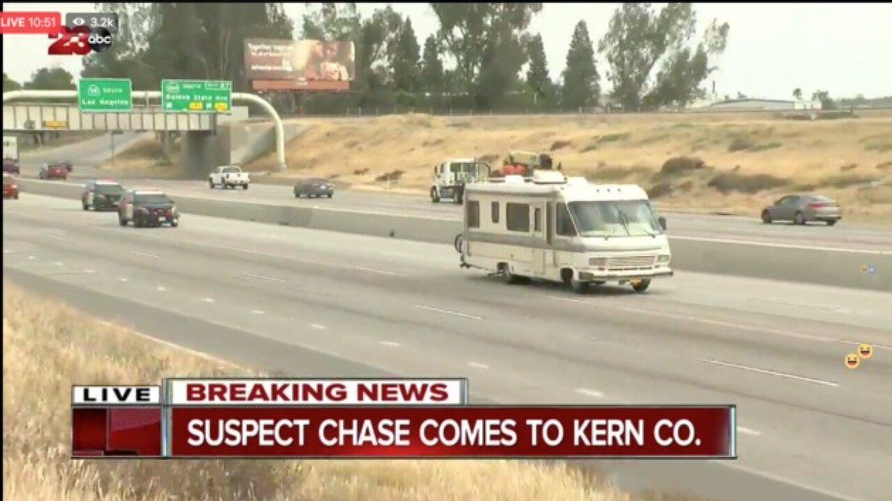 Motorhome chase heads out of LA