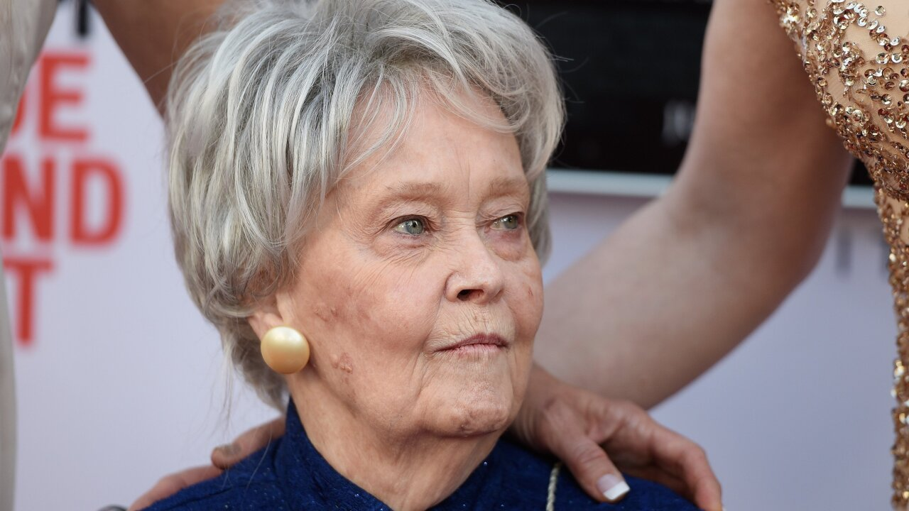 Lorraine Warren, paranormal investigator who inspired 'The Amityville Horror' and 'The Conjuring,' dead at 92