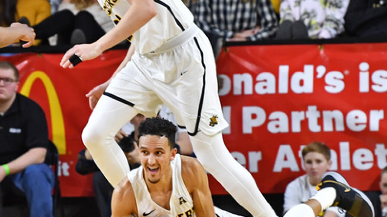 Wichita State picks up big road win, 76-72 over #5 Cincinnati, now a game back in AAC standings