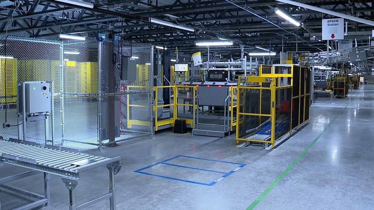 Amazon's new Robotic Fulfillment Center (1).jpg