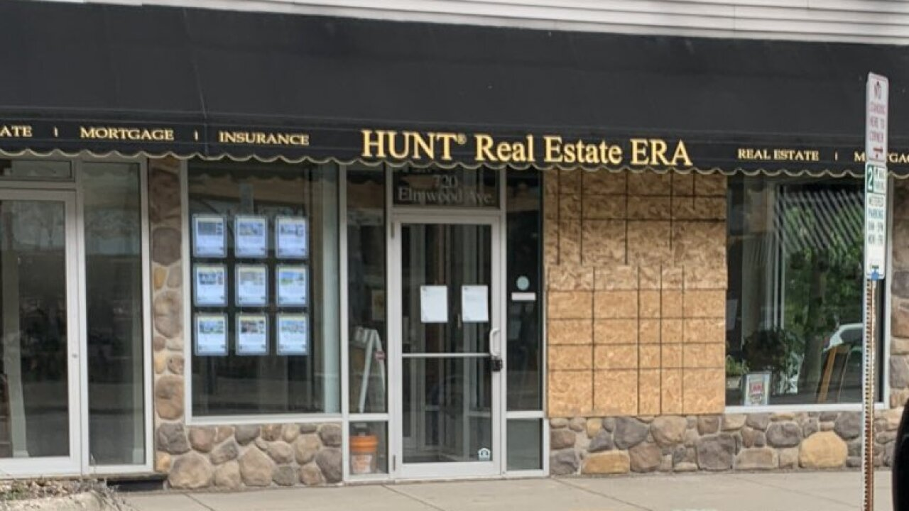 HUNT-REAL-ESTATE.jpeg