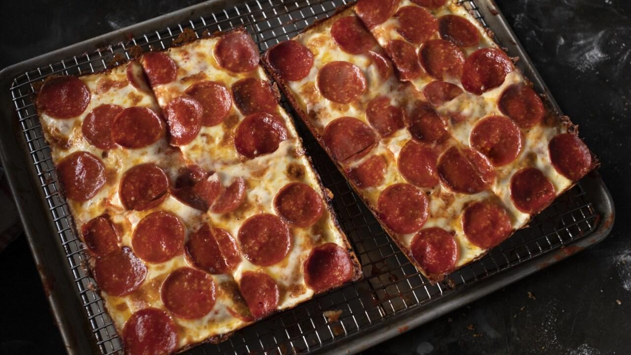 Jets Detroit-Style Deep Dish 8 Corner Pizza