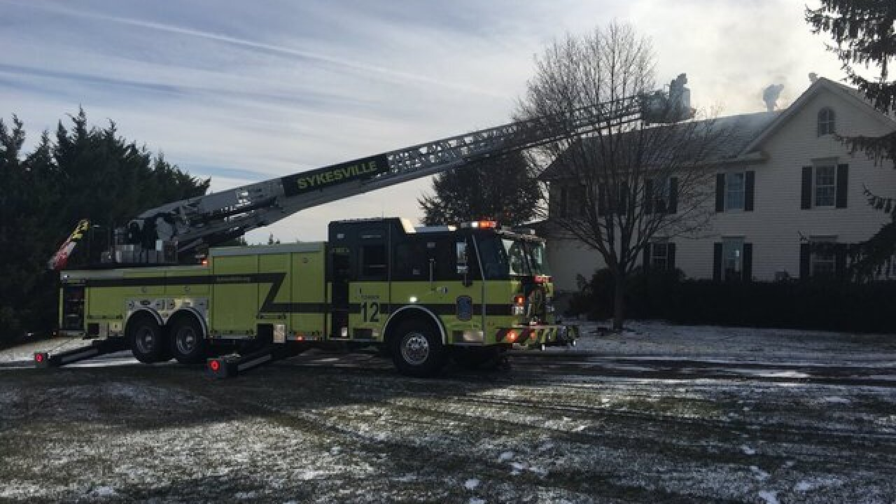 95 firefighters respond to scene of house fire in Mount Airy